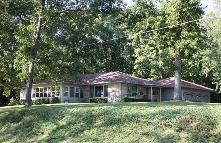 Real Estate for Sale, ListingId: 29504463, Colon,MI49040