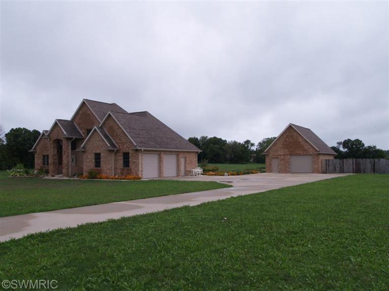 Real Estate for Sale, ListingId: 29867228, Edwardsburg,MI49112