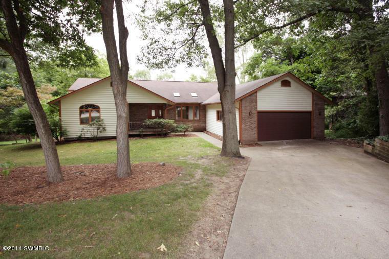 Rental Homes for Rent, ListingId:29932193, location: 677 Springwood Drive Kalamazoo 49009