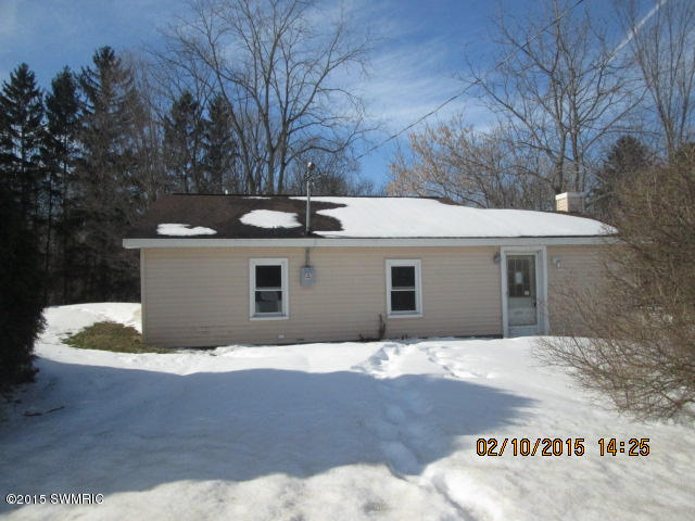 51920 Lawrence Rd, Marcellus, MI 49067