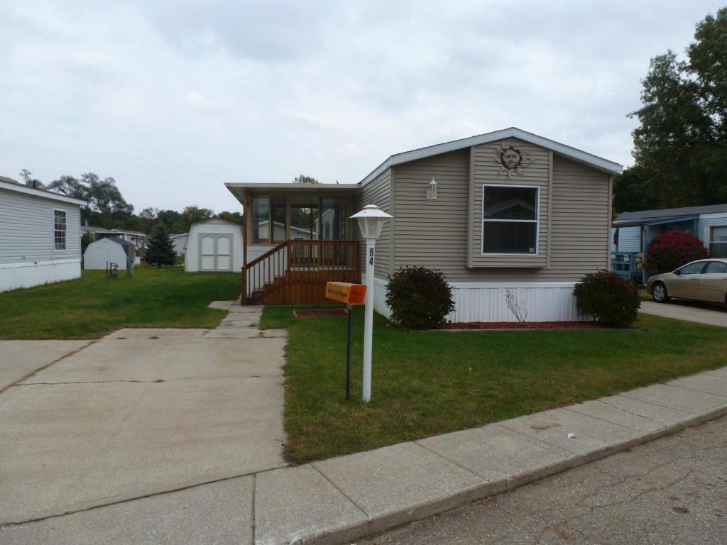 69205 Garver Lake Rd, Edwardsburg, MI 49112