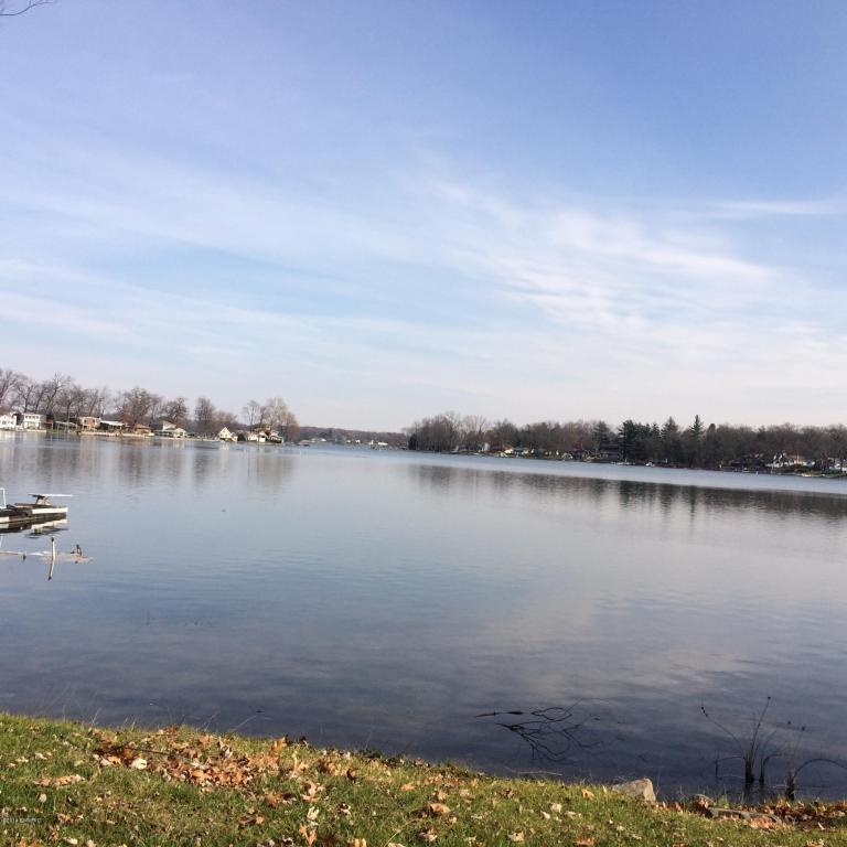 20955 S Lake Dr, Walkerton, IN 46574