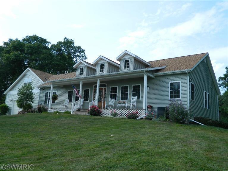 Real Estate for Sale, ListingId: 31603616, Edwardsburg,MI49112