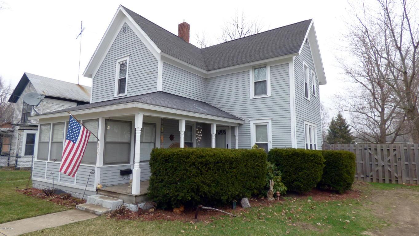 404 Oak St, Dowagiac, MI 49047