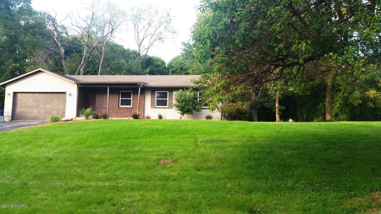 77 Foxwood Ct, Valparaiso, IN 46385