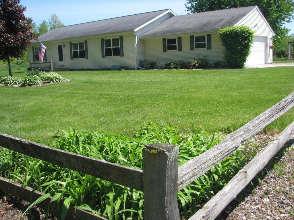 69351 Christiana Creek Dr, Edwardsburg, MI 49112