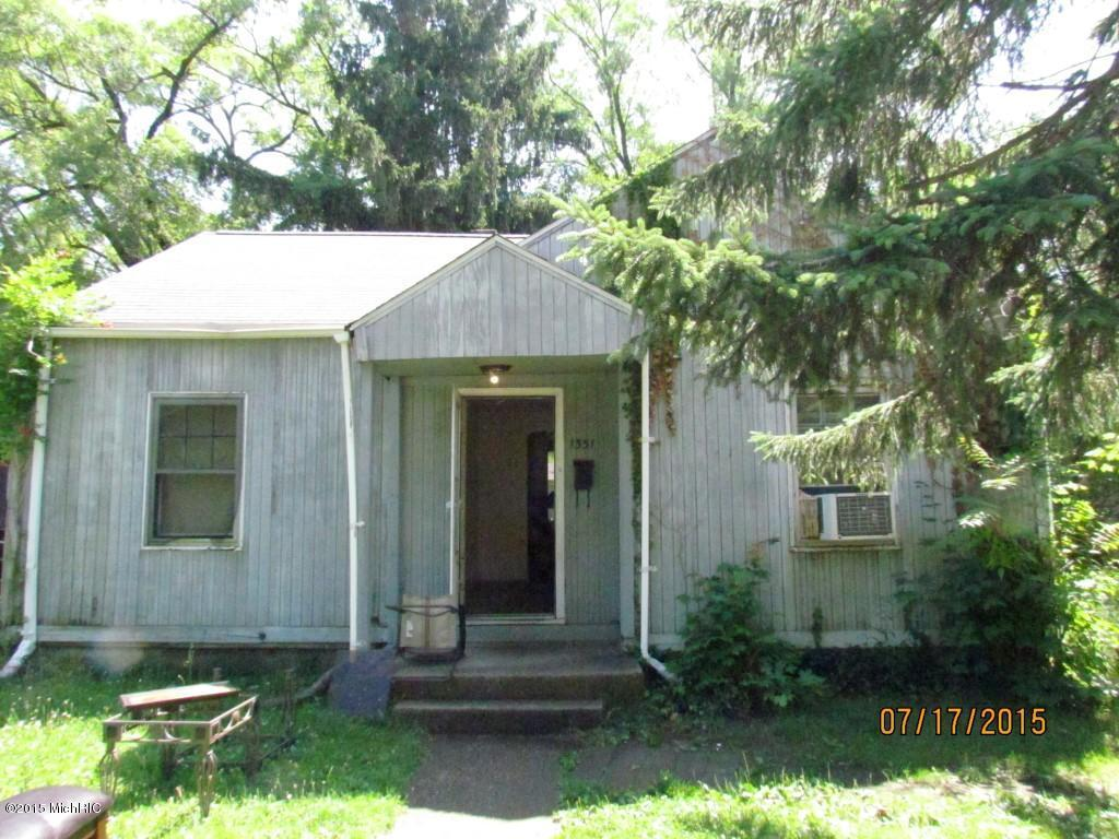Photo of 1331 JENNINGS Avenue  Benton Harbor  MI