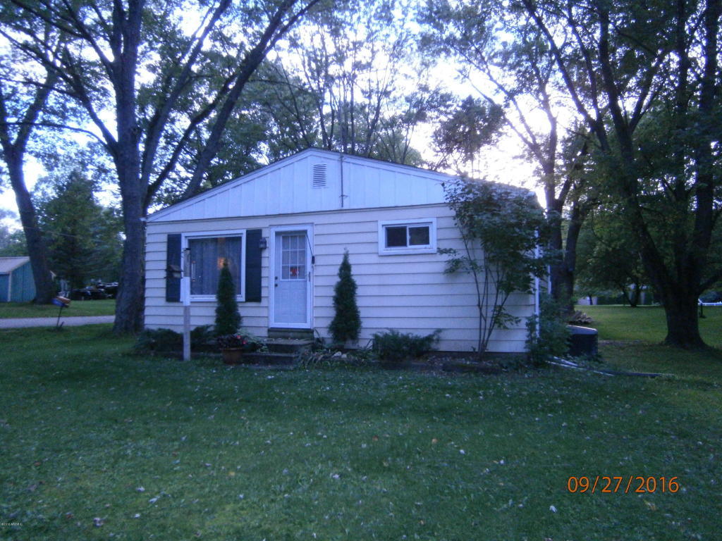 Photo of 27010 Country Trace  Edwardsburg  MI