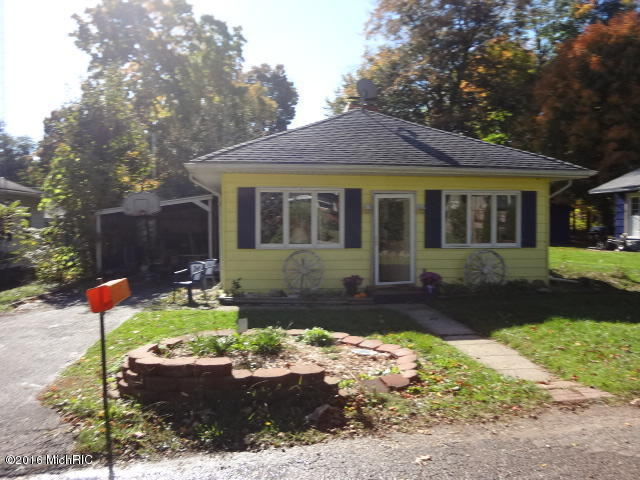 Photo of 22323 Forest Ave  Cassopolis  MI