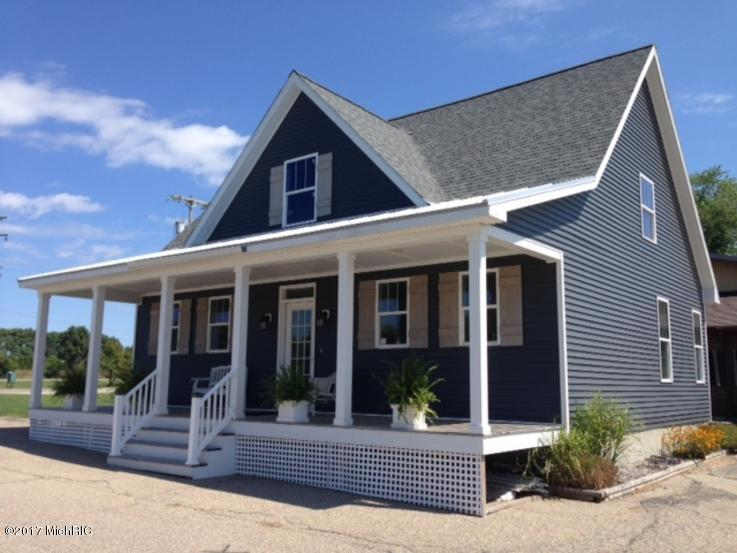 Photo of 2100 Orchard Street  South Haven  MI