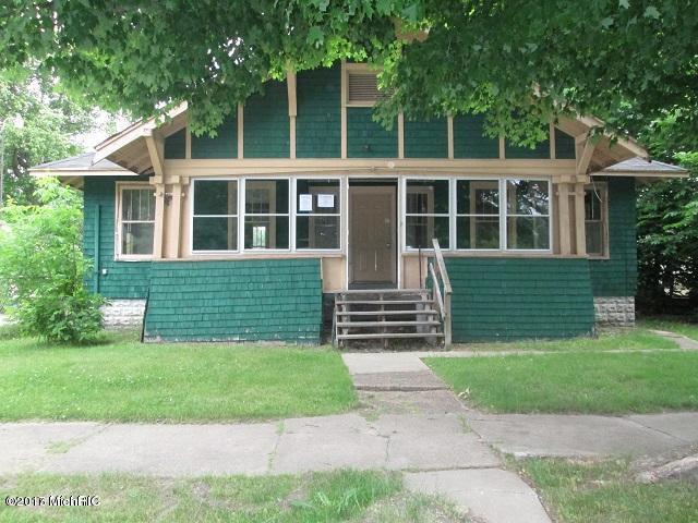 Photo of 633 Clay Street  Benton Harbor  MI