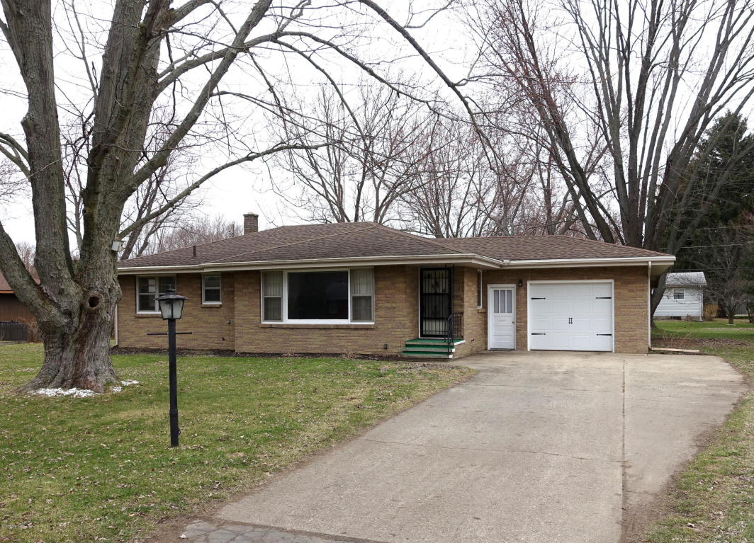Photo of 1733 Clearwood Drive  Stevensville  MI