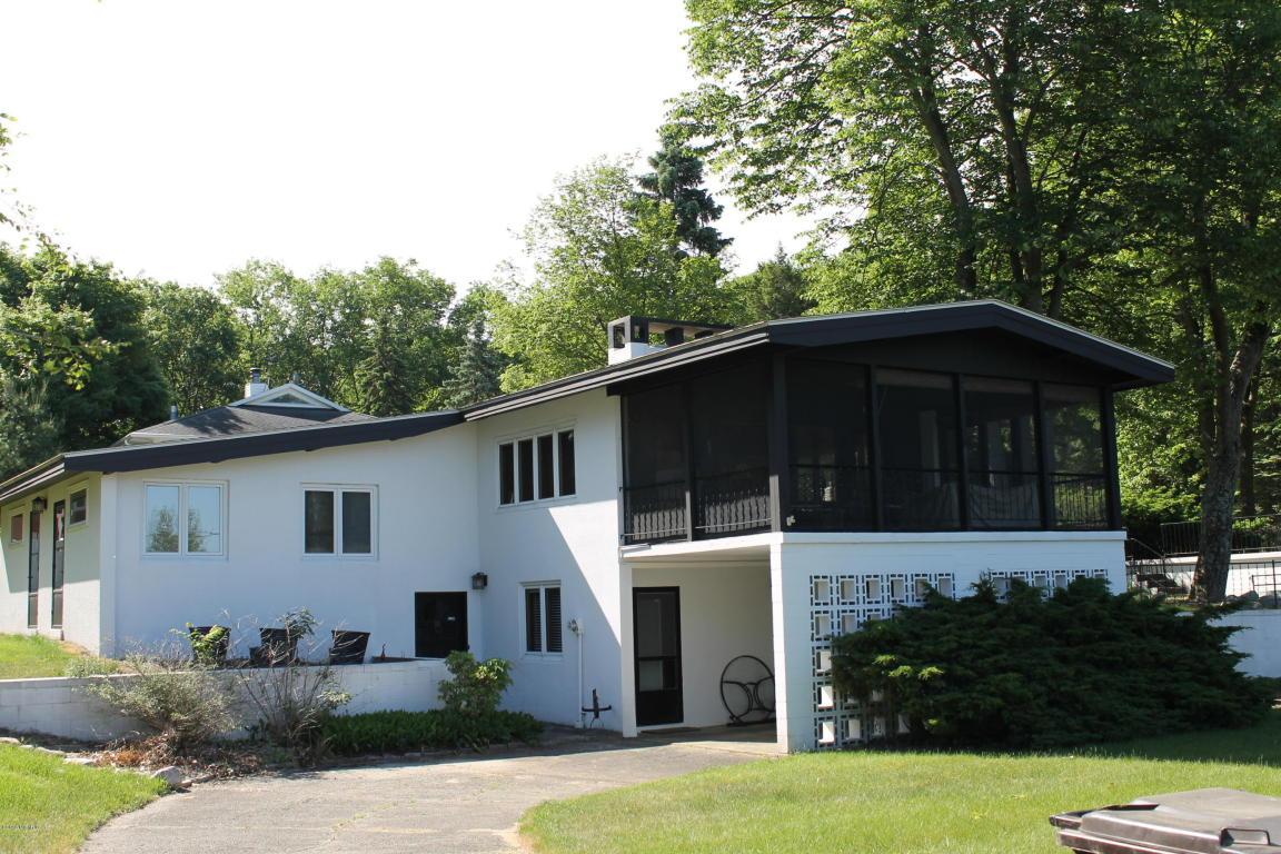 Photo of 643 N Longwood Drive  Sawyer  MI