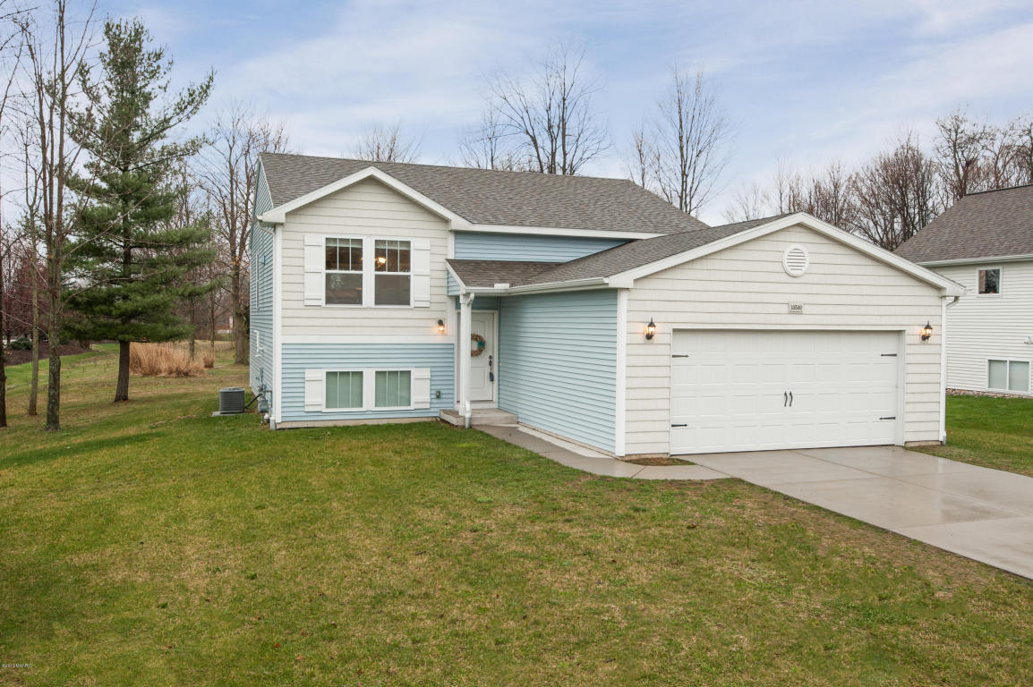Photo of 10500 Compton Drive  South Haven  MI