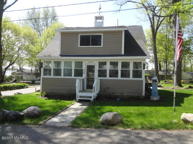 Photo of 22283 Woodland Street  Cassopolis  MI