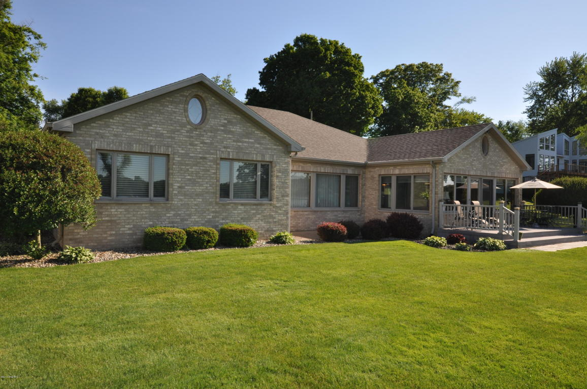 Photo of 16793 Lakeview Drive  Vandalia  MI