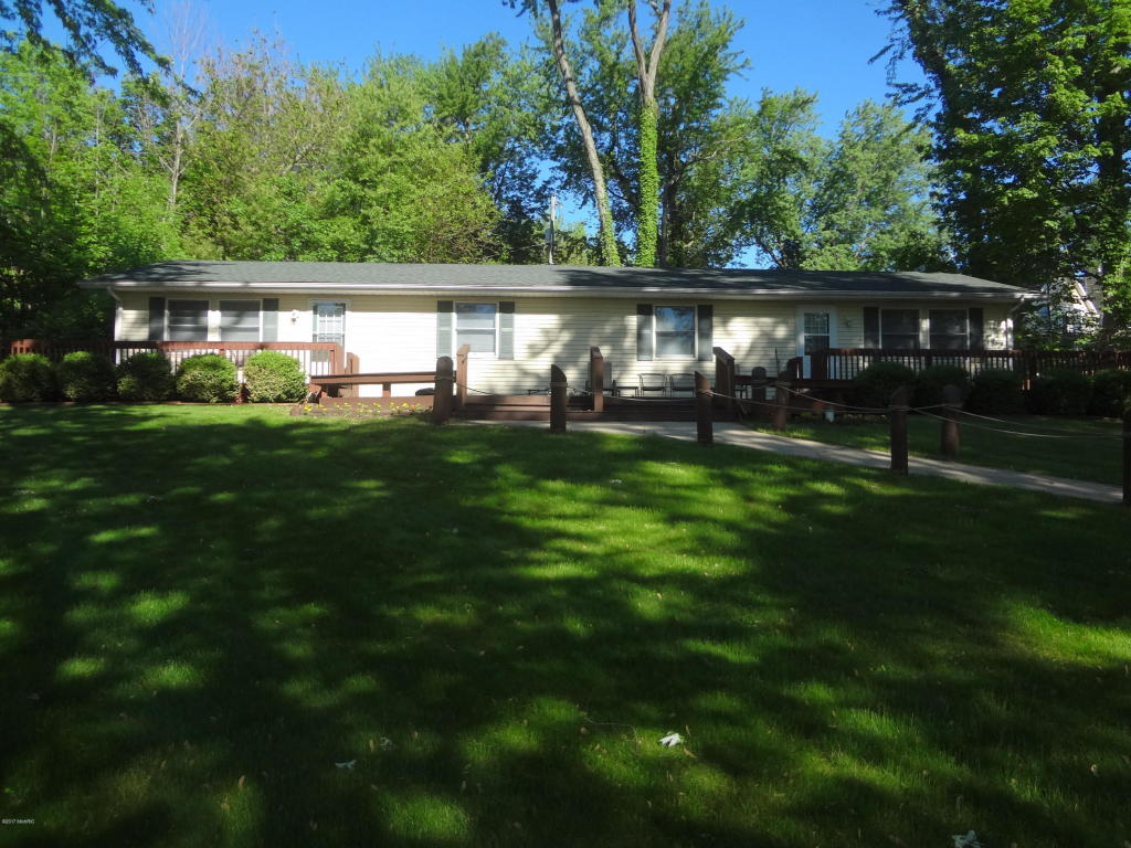 Photo of 21636 Howell Drive  Cassopolis  MI