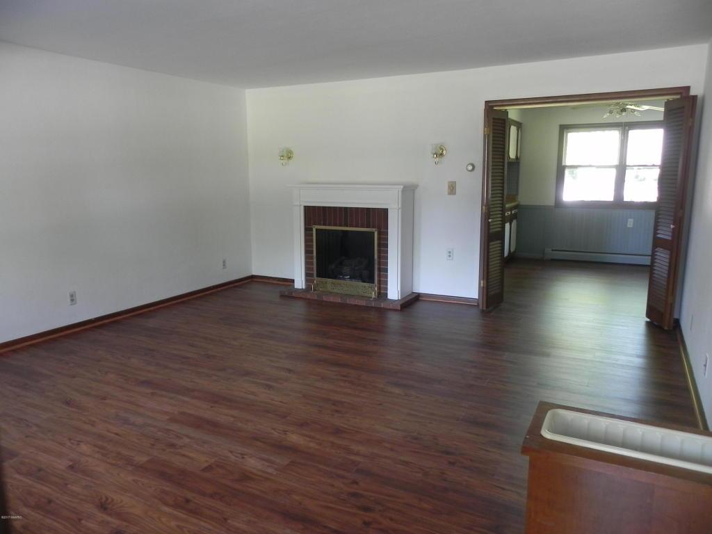 Photo of 560 Cherry Lane  Decatur  MI