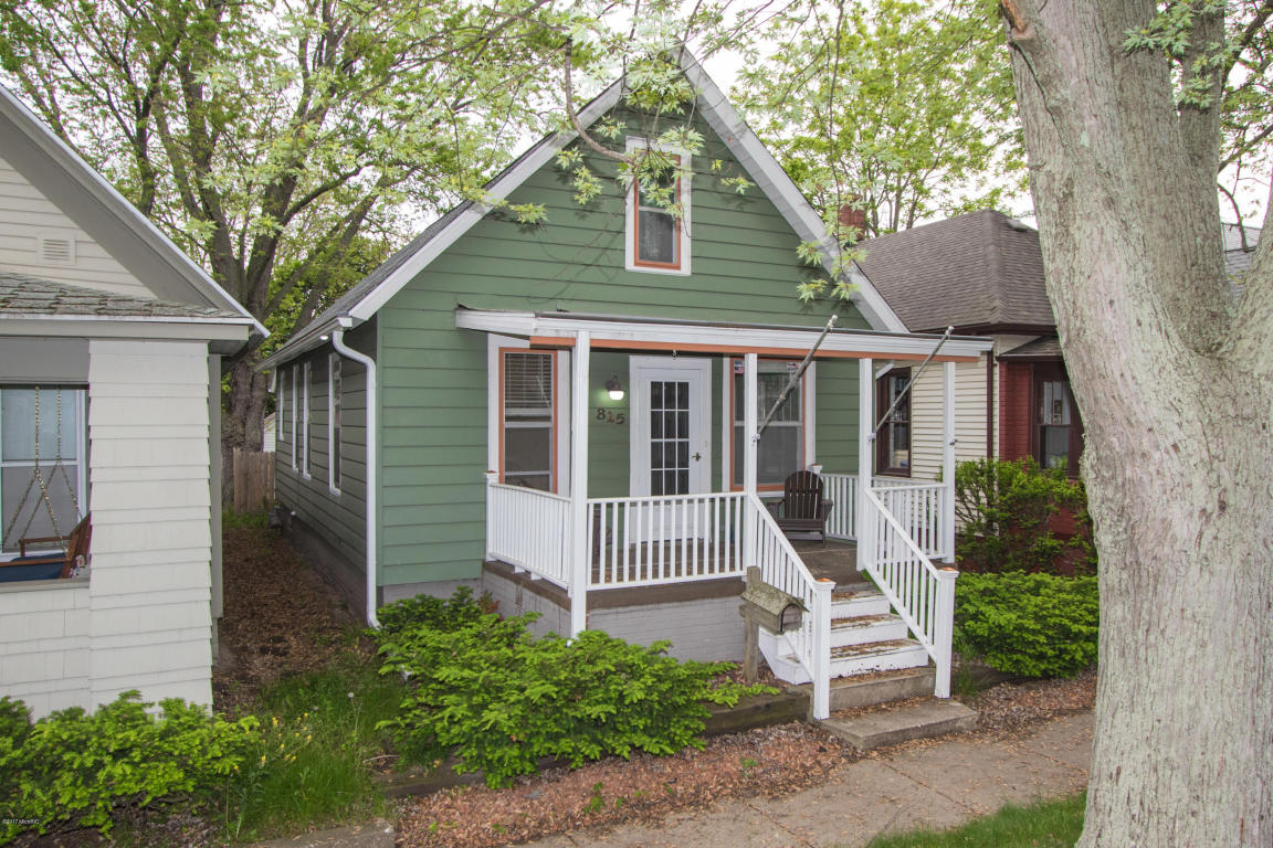 Cape Cod, Single Family Residence - St. Joseph, MI (photo 1)