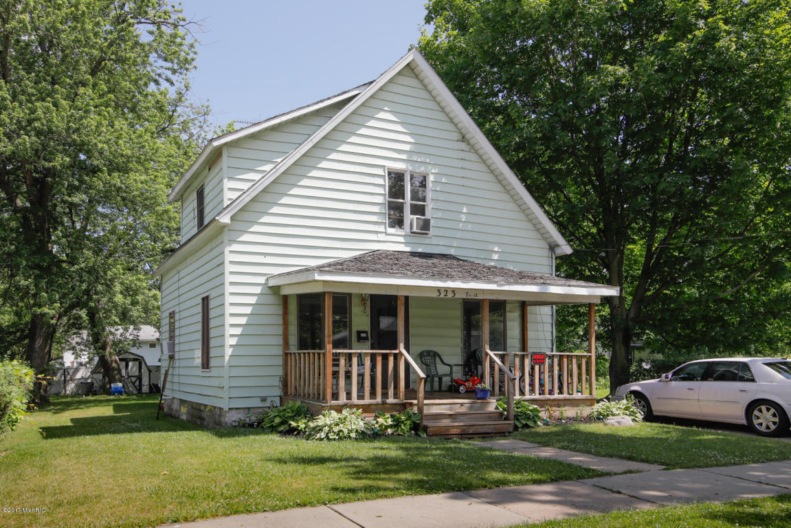 Photo of 323 Fruit Street  South Haven  MI