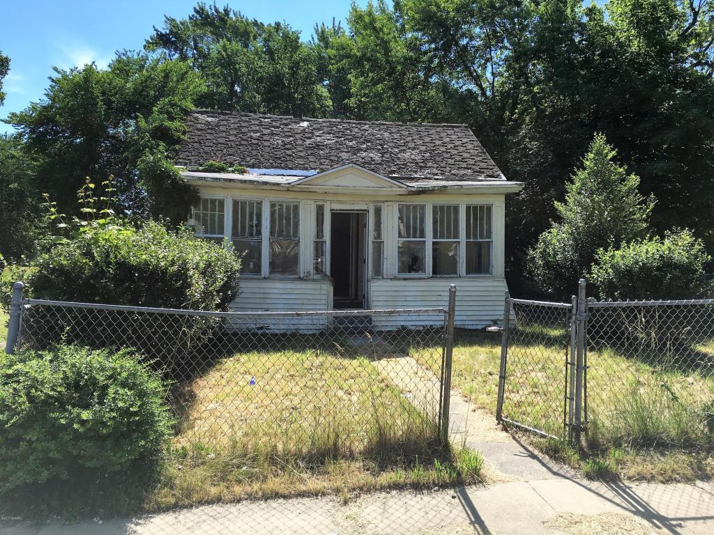 Photo of 377 Cedar Street  Benton Harbor  MI