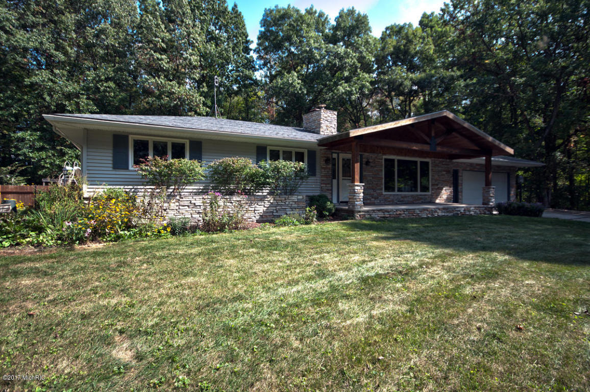 Photo of 70785 Sunrise Drive  Edwardsburg  MI