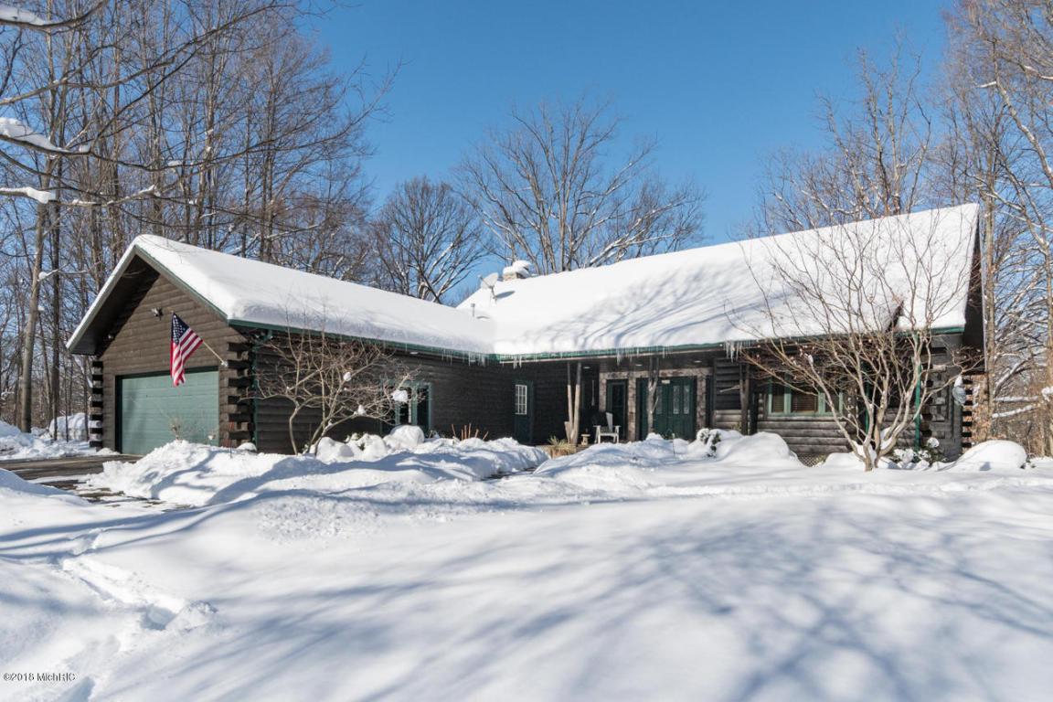 Single Family Residence, Log Home - Lawrence, MI (photo 1)
