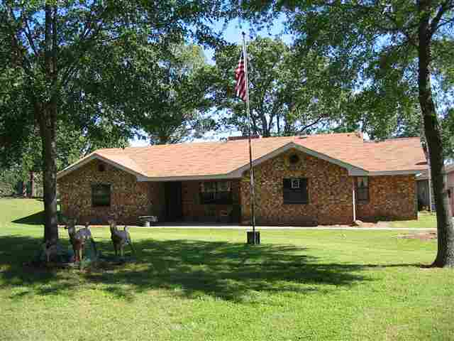 2686 E 2087th Rd, Hugo, OK 74743
