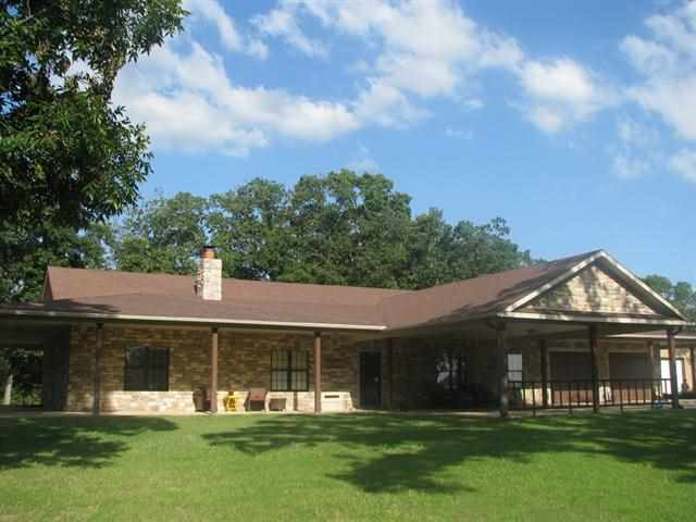 553 N 4210th Rd, Hugo, OK 74743
