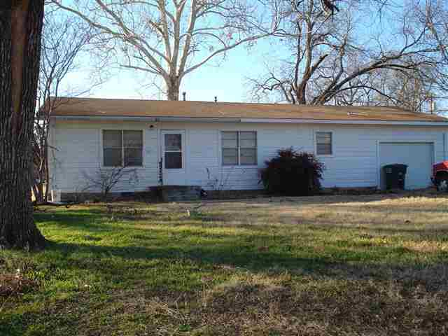 410 S 2nd Ave, Madill, OK 73446