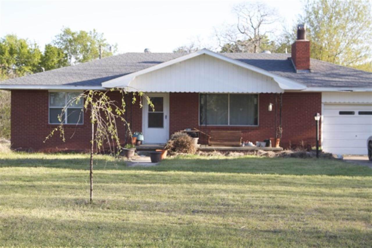 372 W Twin Oaks Rd, Caney, OK 74533
