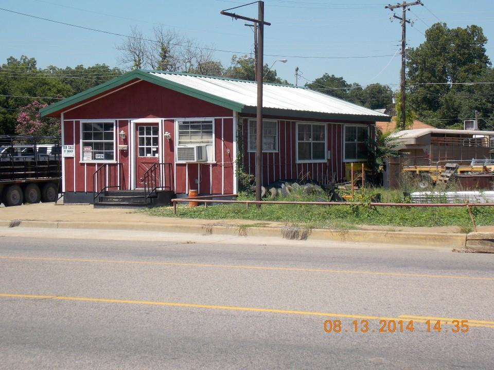 624 W Main St, Durant, OK 74701