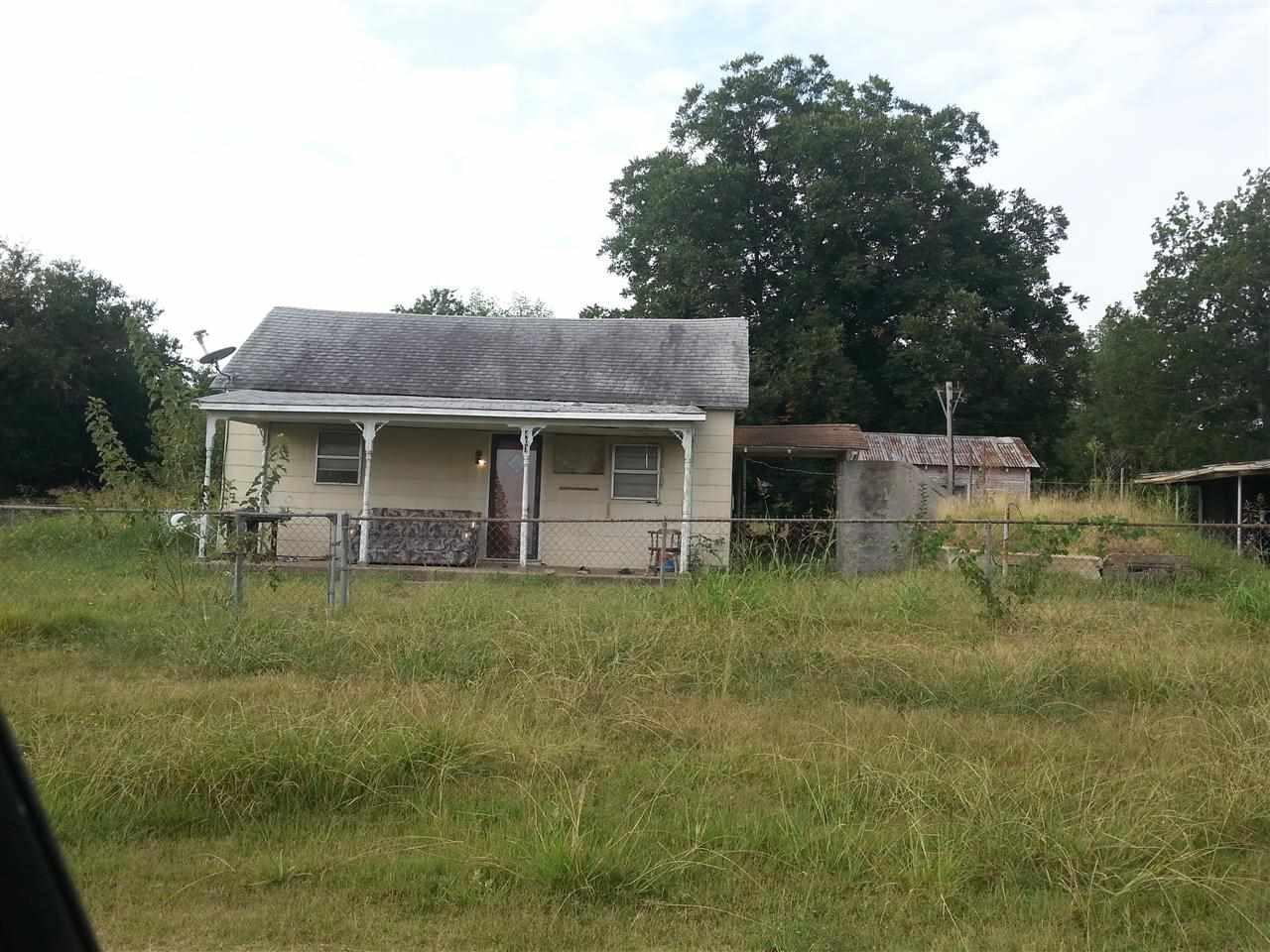 407 E Crow Ave, Coalgate, OK 74538