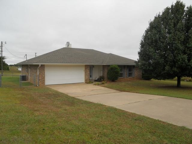 7230 Live Oak Dr, Kingston, OK 73439