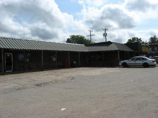 8 S Main St, Coalgate, OK 74538