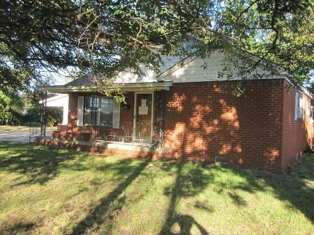 402 NE 2nd Ave, Durant, OK 74701