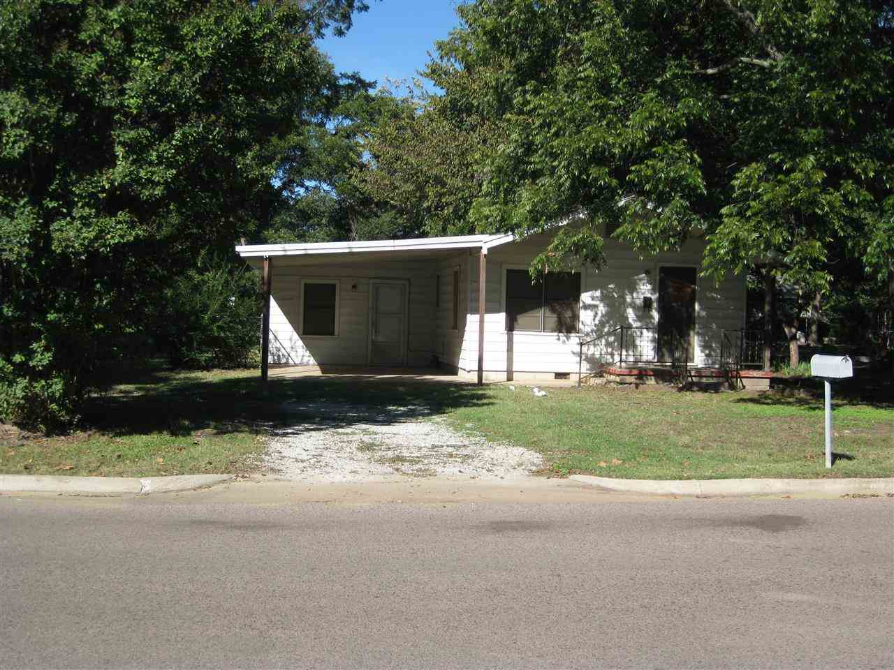 403 S 12th Ave, Durant, OK 74701