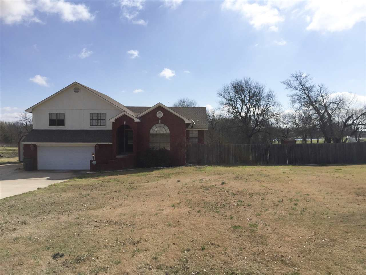 Photo of 713 Shirley Ln  Madill  OK