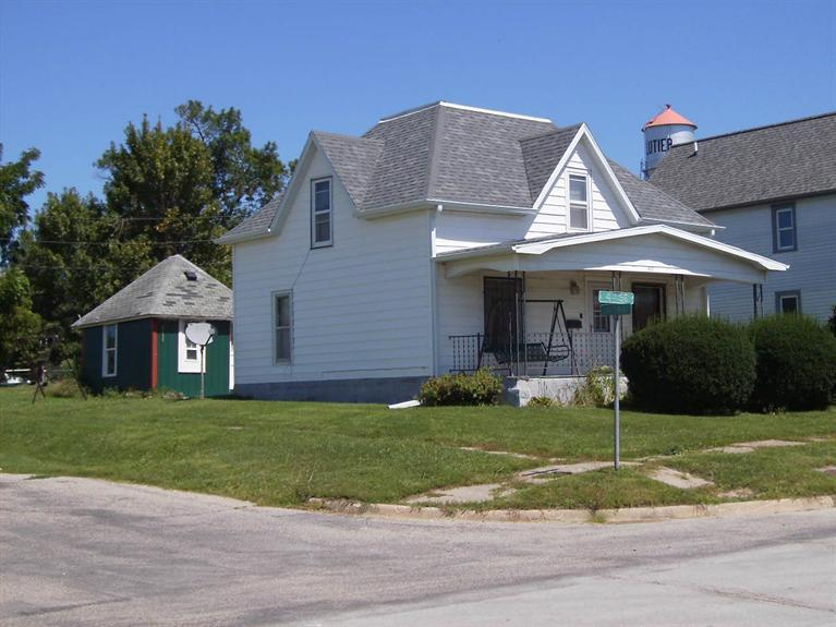 Photo of 401 4th Street  Clutier  IA
