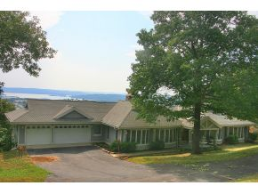 109 James River Rd, Kimberling City, MO 65686