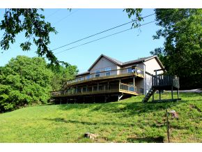 225 Vern Rd, Kimberling City, MO 65686