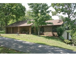 15 Beach Blvd, Kimberling City, MO 65686