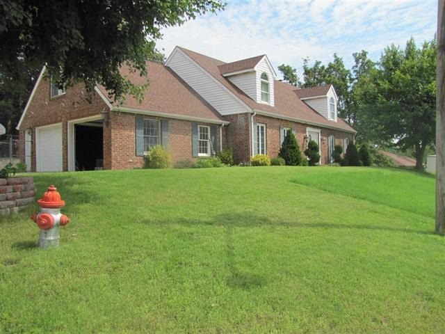 Rental Homes for Rent, ListingId:34252608, location: 2212 Autumn Dr Poplar Bluff 63901