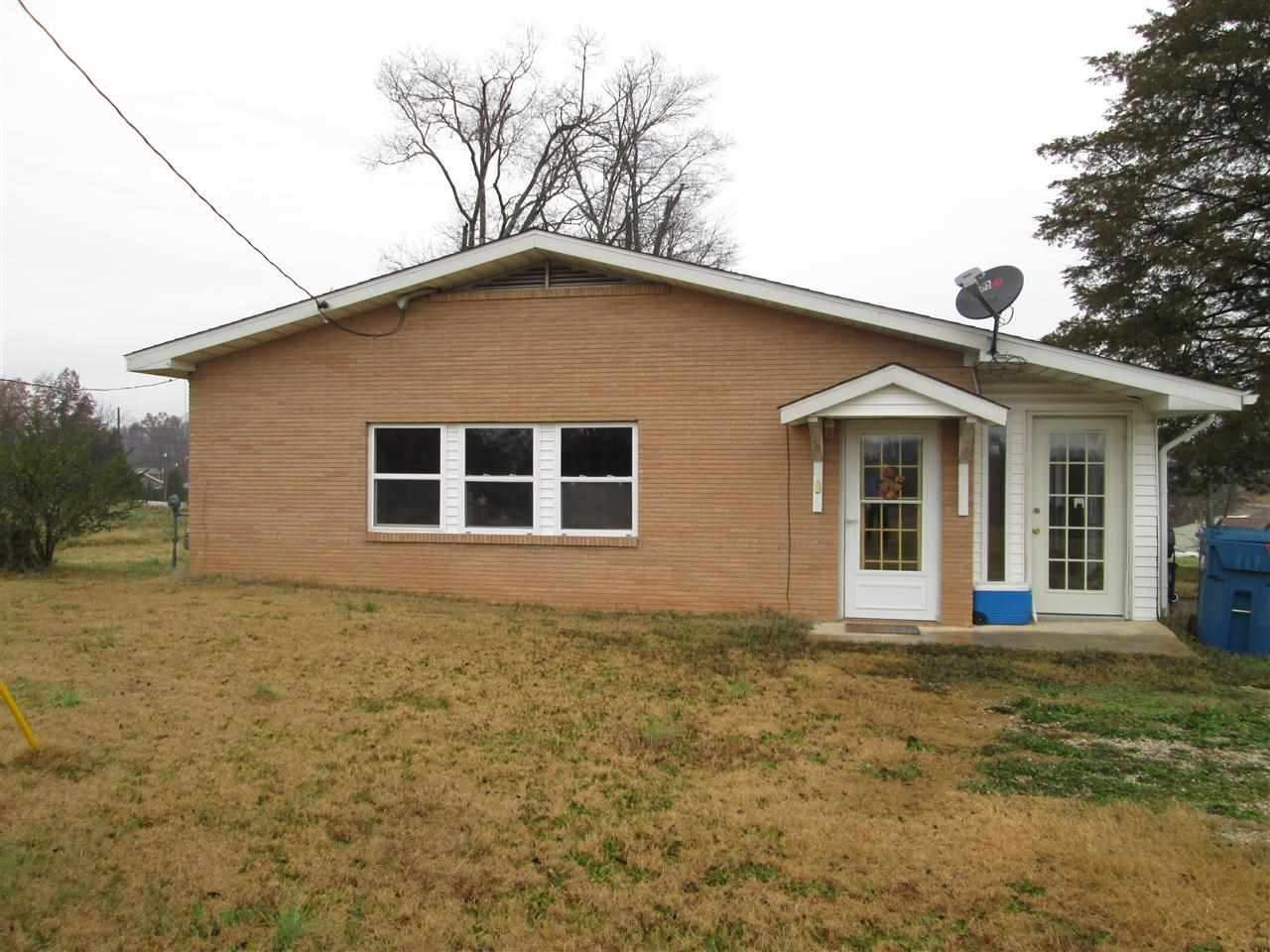 Photo of 209 W Summit  Doniphan  MO