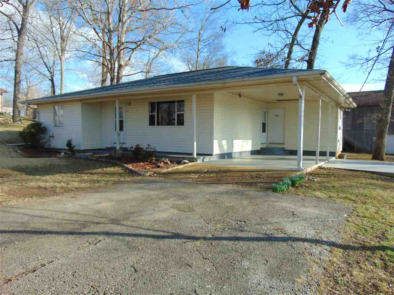 Photo of 1202 Oak Street  Doniphan  MO