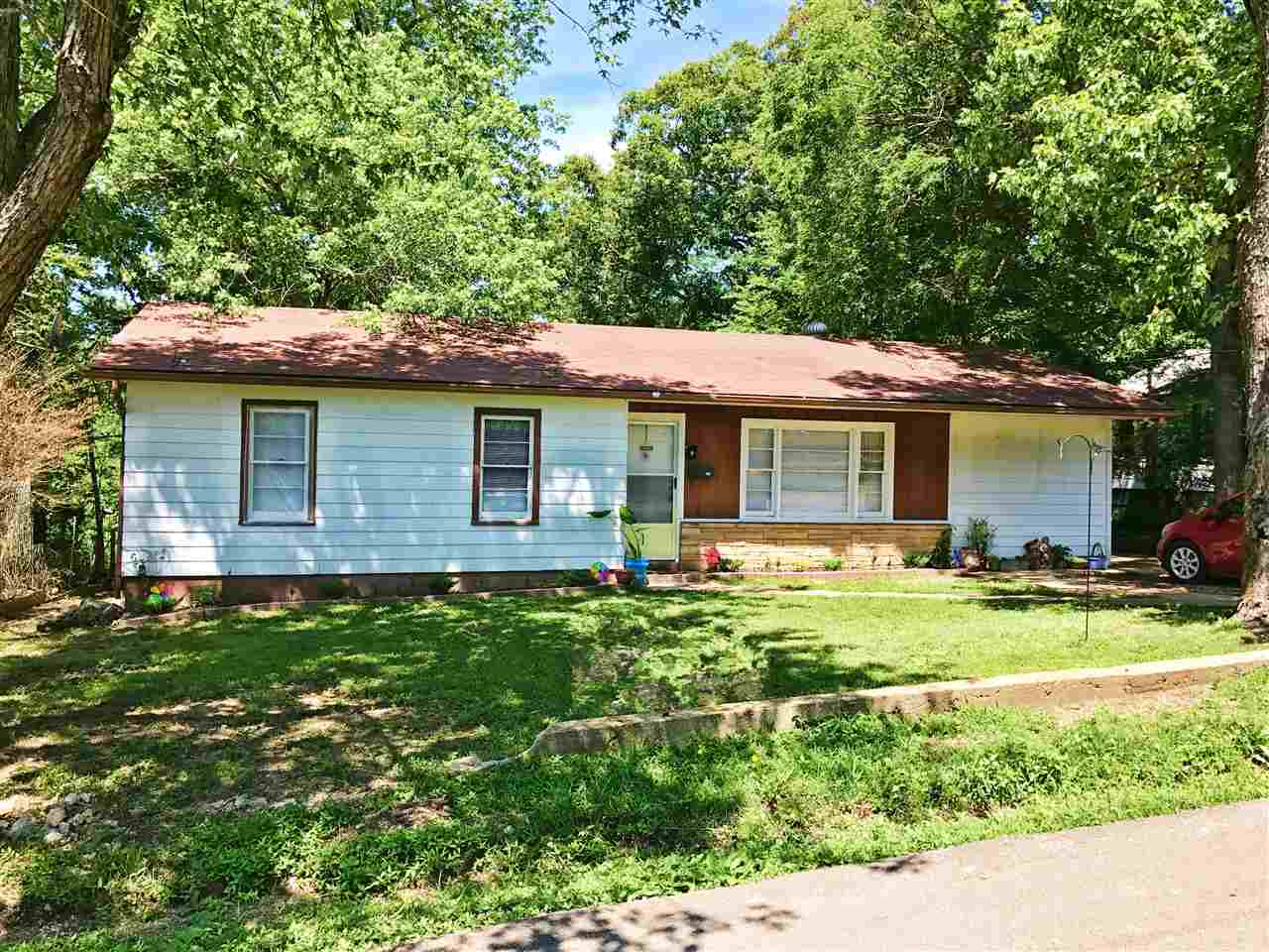 Photo of 305 2nd Street  Doniphan  MO