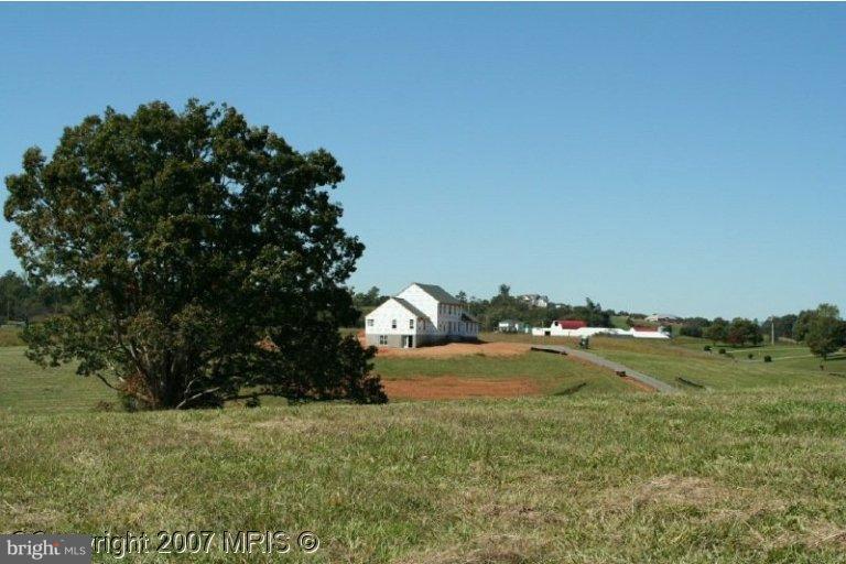 Fieldcrest Court Aroda, VA 22709