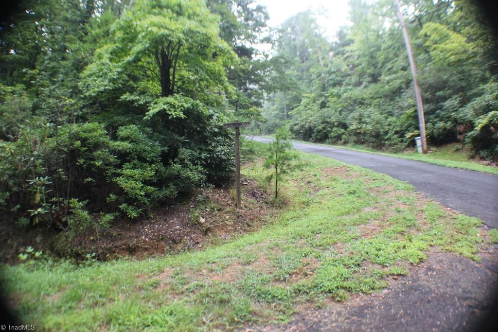 7 Hillside Lane Lowgap, NC 27024