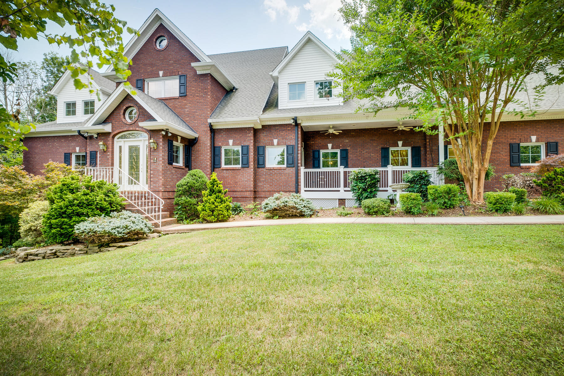450 Woodcrest Drive, Kingsport, Tennessee