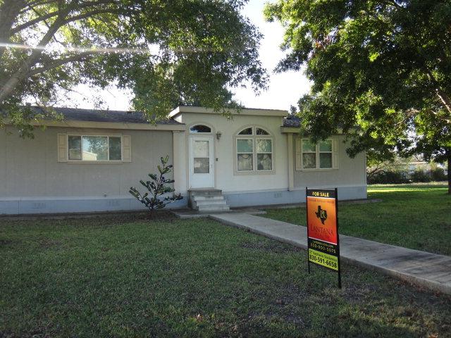 Photo of 104 Orange ST  Sabinal  TX